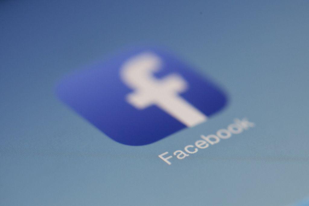 Få hjelpe til Facebook annonsering | Illeris Web AS