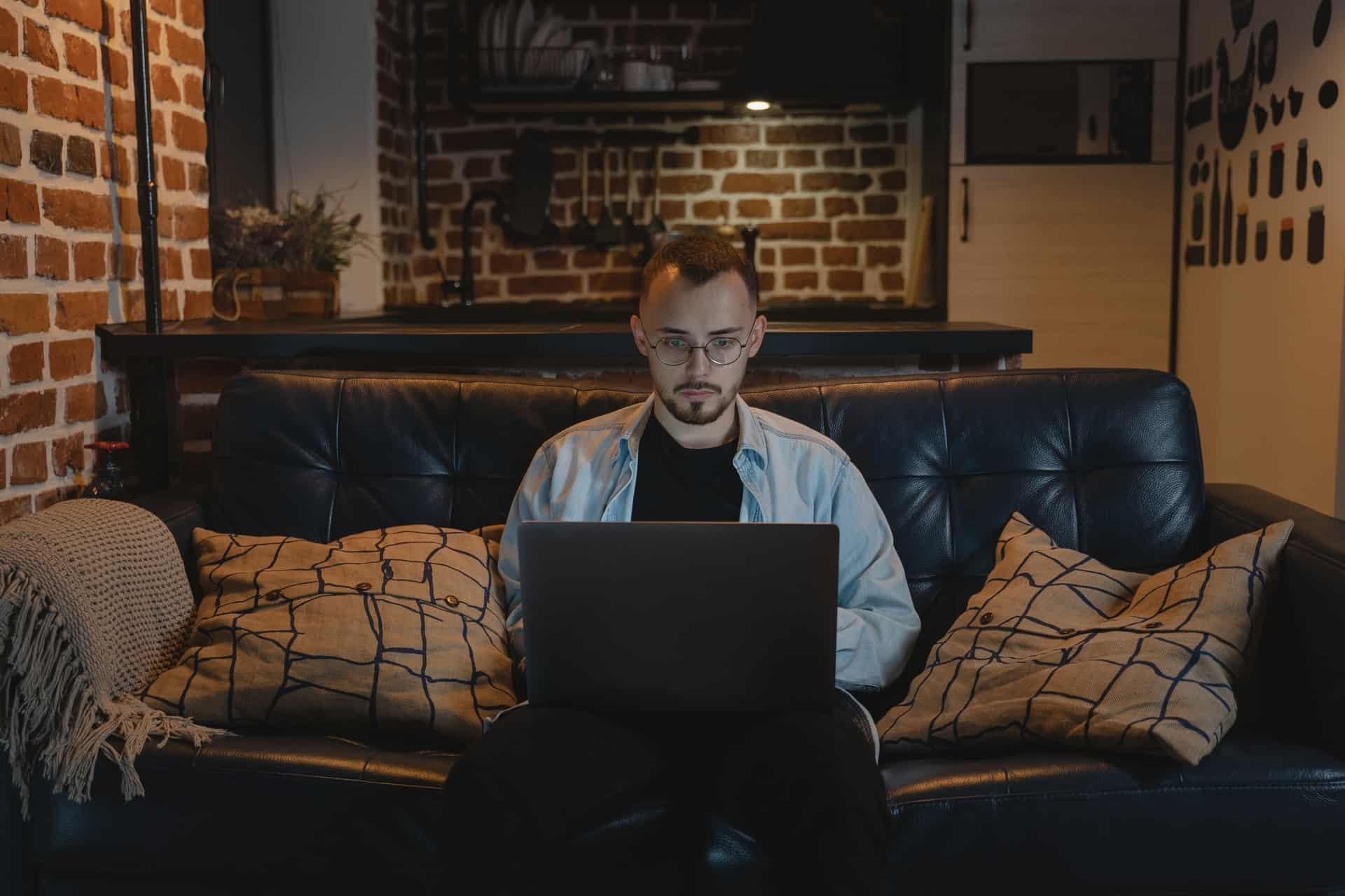 Fem råd for å holde seg motivert på hjemmekontor - Illeris Web AS